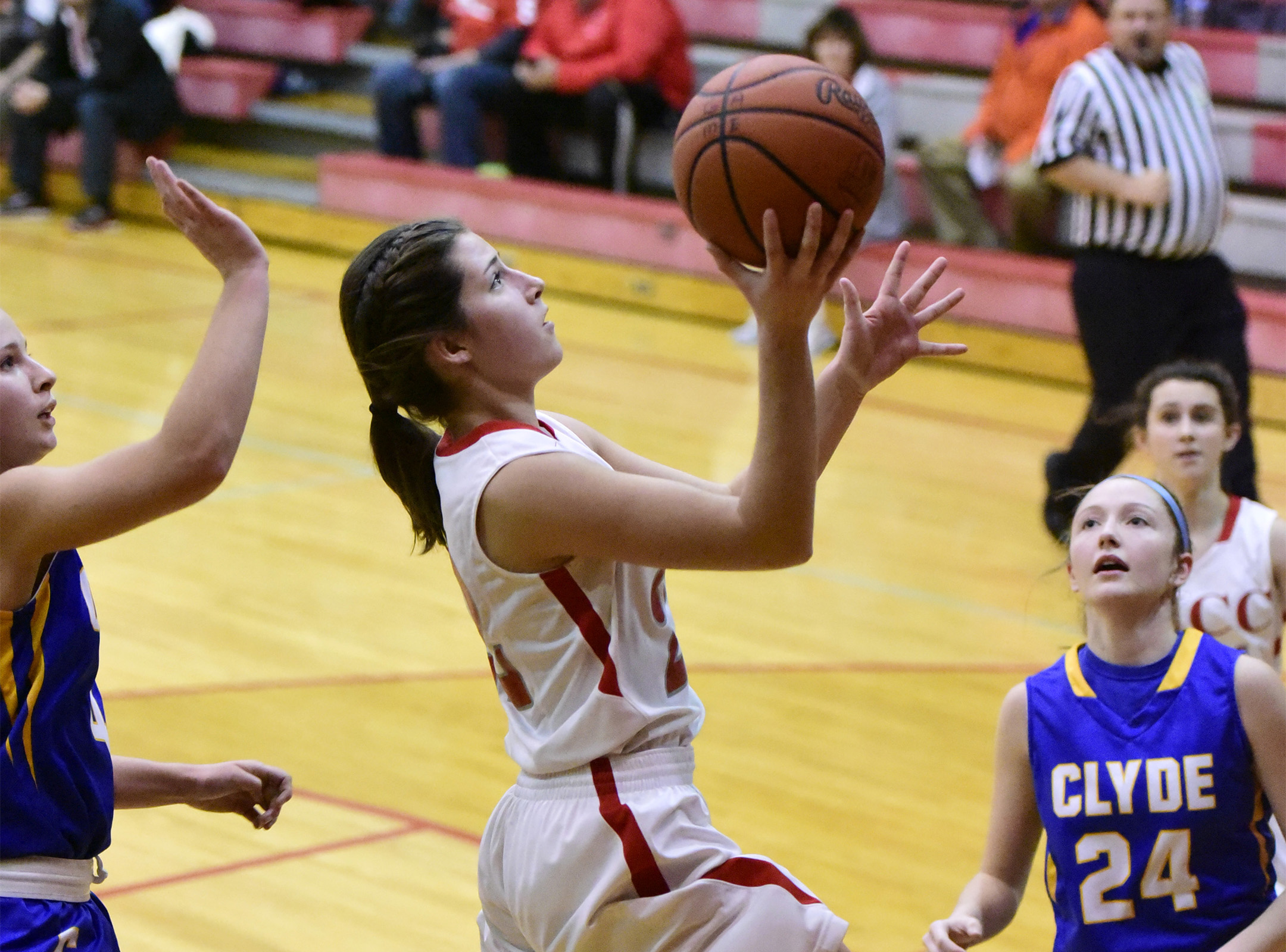 St. Joe's Miranda Wammes takes it to the basket against Clyde on Tuesday evening.